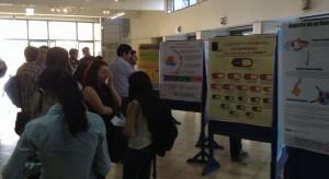Los estudiantes expusieron sus trabajaos en el hall de la Facultad de Medicina d ela U. de Chile.